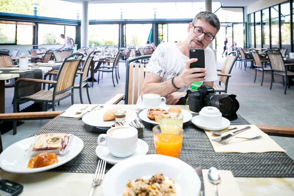 Storytelling e socialmedia hotel smartphone